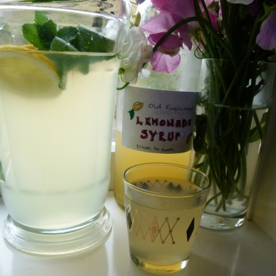 old fashioned cloudy lemonade